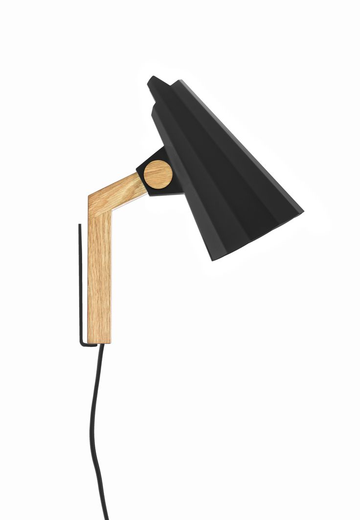 FILLY Wall lamp with direct light. Aluminium shade. Stem made of solid oak and metallic wall frame.