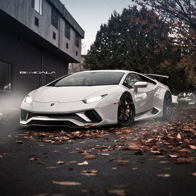 Huracan Superleggera? Sitting on @purwheels
