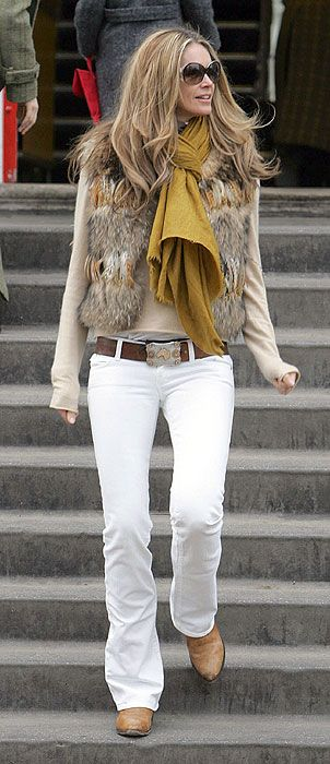 Elle Macpherson is the most stylish mum on the school run - Photo 16 | Celebrity news in hellomagazine.com