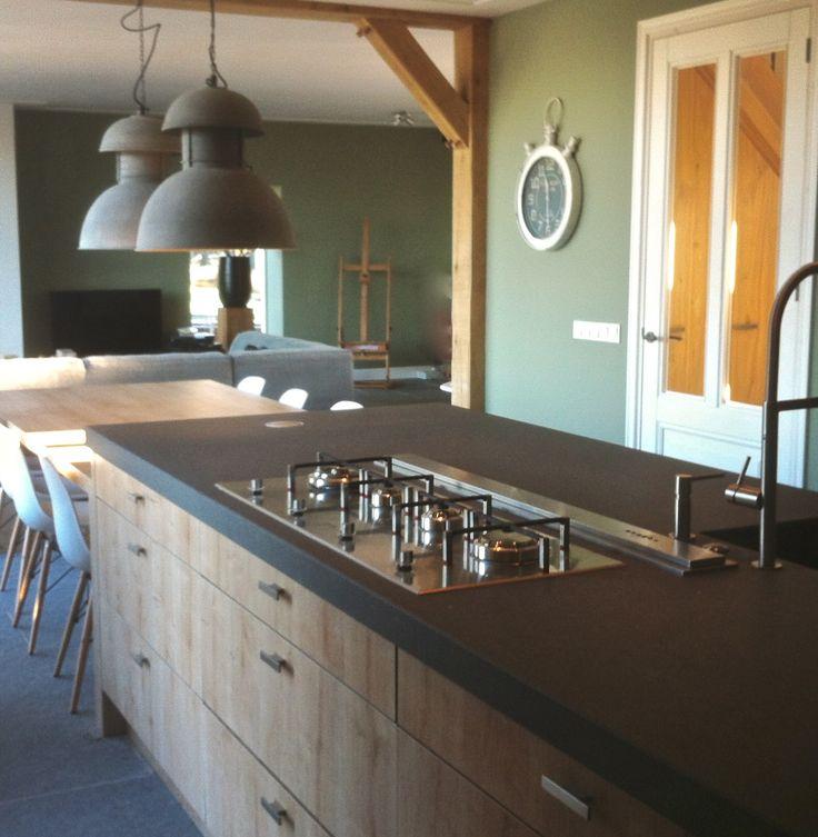 25 beste idee n over eiland tafel op pinterest kookeiland tafel keukeneetkamer en - Tafel centraal eiland ...