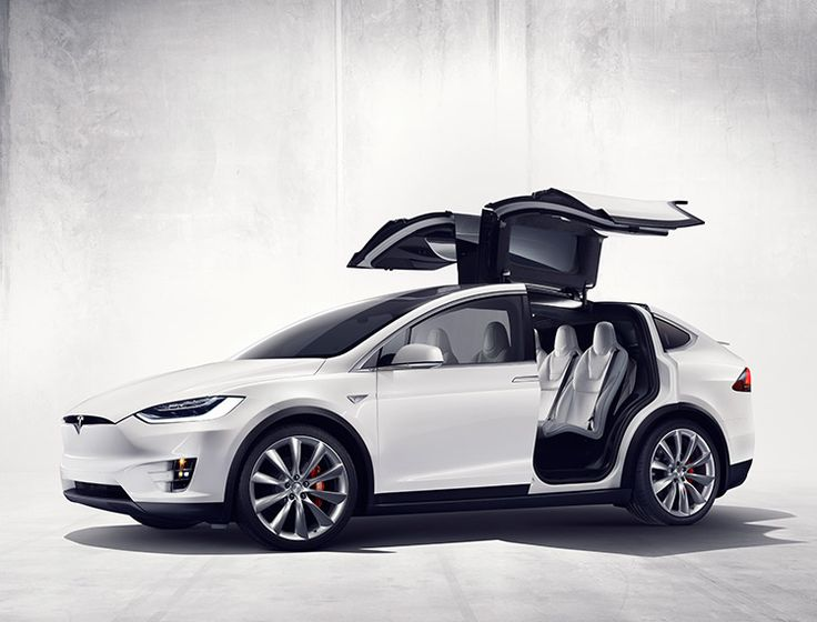 Tesla Eases the Model X $132,000 Launch Scare, Gets Way More Accessible Version