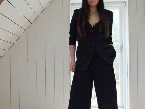 monochromatic outfit look to make you look puttogether and taller
