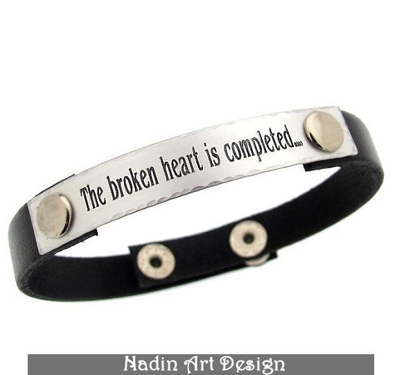 Graviertes Armband. Herren-Lederarmband. Geschenk von NadinArtDesign auf DaWanda.com