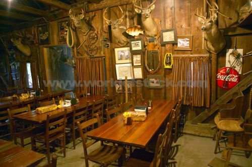 old country decor | ... Rustic Old Restaurant With Hunting Décor, unlicensed use prohibited