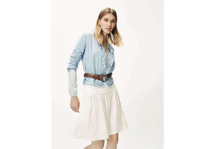 Dal beige all'azzurro: infinite sfumature soft From beige to baby blue: endless soft hues Giacca/Jacket- http://it.pennyblack.com/search?text=bahamas Camicia/Shirt- http://it.pennyblack.com/p-2111075003004-effigie-azzurro Gonna/skirt- http://it.pennyblack.com/p-2101025003001-galliera-bianco-avorio CIntura/Belt- http://it.pennyblack.com/p-5501025003001-sezione-marrone