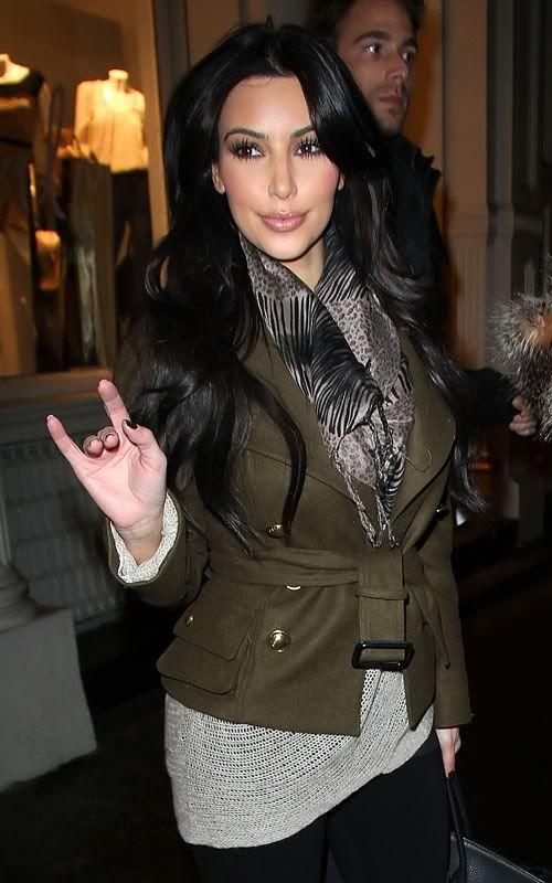 http://forum.purseblog.com/celebrity-news-and-gossip/the-kim-kardashian-thread-11-a-657012-5.html