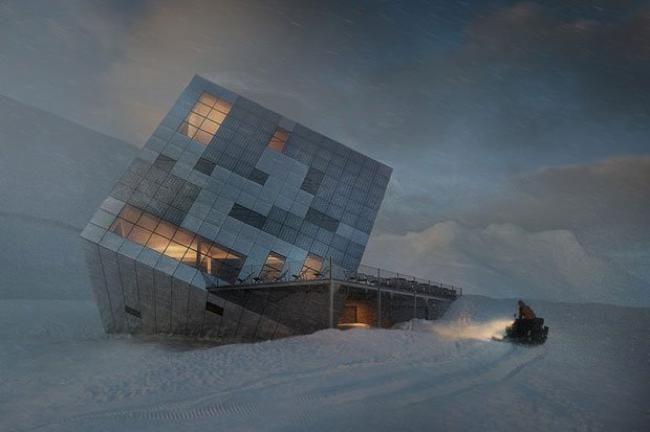 Le Chalet Cube Futuriste Niché dans les Montagnes des Carpates
