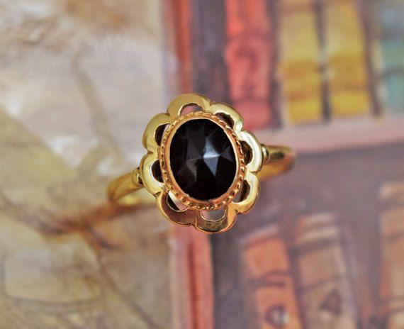 Antique Victorian Garnet Ring Antique 14K by PrettyDifferentShop