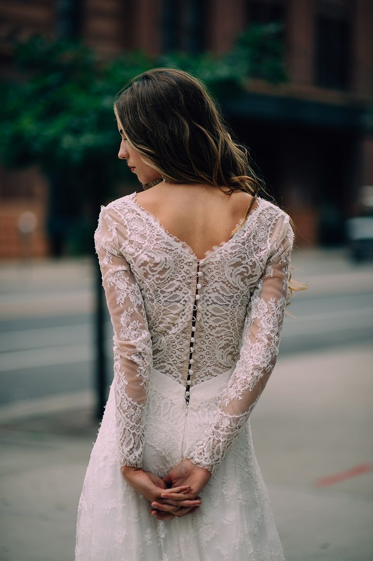 carolina Herrera | long sleeve wedding dress | Lace wedding dress | available at anna be denver | Hair by Matthew Morris Salon | Make up by Leilani Drum | Photo by Steve Stanton Photography
