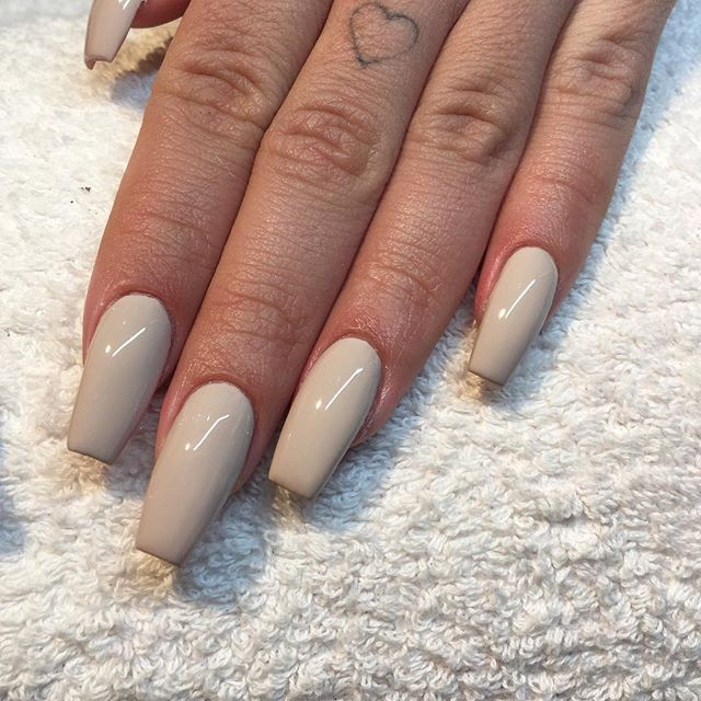 I Love The Result We Changed Her Nails To A Slightly Tapered Square Shape And Shortened Them A Lo Tapered Square Nails Acrylic Nail Shapes Square Acrylic Nails