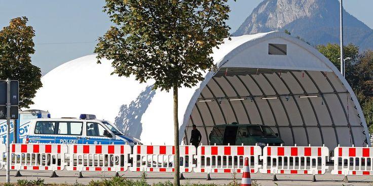 Bei Routinekontrolle! Polizisten finden Waffen und Rohrbomben-Material in Auto - Hamburger Morgenpost