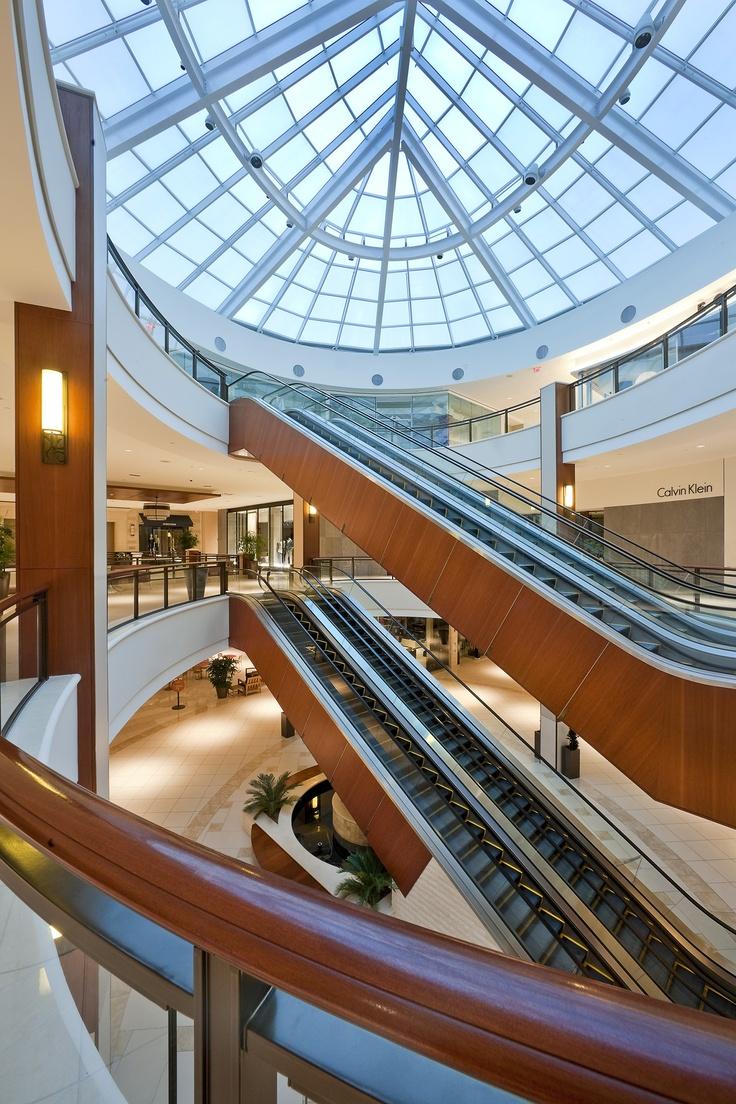 Corridors of Aventura Mall