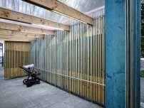 Holzbau auf der Berliner Fischerinsel / Kinderwagen-Garage - Architektur und Architekten - News / Meldungen / Nachrichten - BauNetz.de