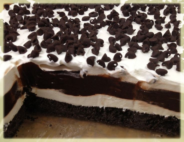 oreo lasagna dessert | It's served cool – right from the fridge (or freezer)- a perfect ...
