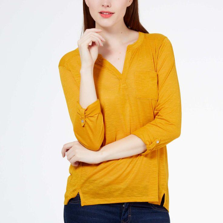 Tee-shirt fluide col tunisien jaune vif ou noir à 8euro en promo