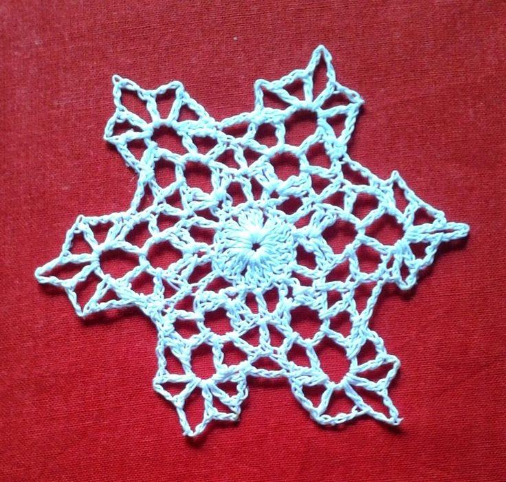 Free Irish Crochet Snowflake Pattern : 1595 fantastiche immagini su Snowflakes su Pinterest ...