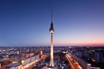Entrada preferente: Cena en lo alto de la Torre de TV de Berlín