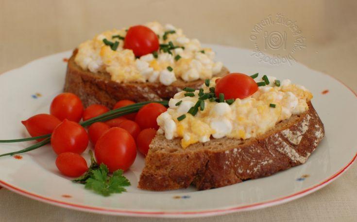 Fotorecept: Nátierka z cottage cheese a praženice