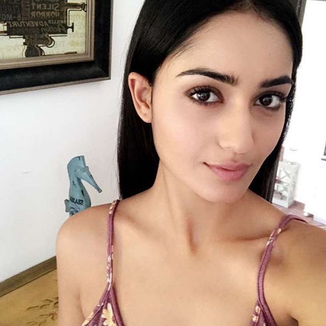 South Indian Actress Tridha Choudhury Hot Photos On Instagram 017