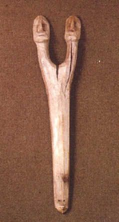 Un ongon Dolgano de l'esprit du feu dans sa forme la paire des esprits de silex et de l'acier mâle-femelle.