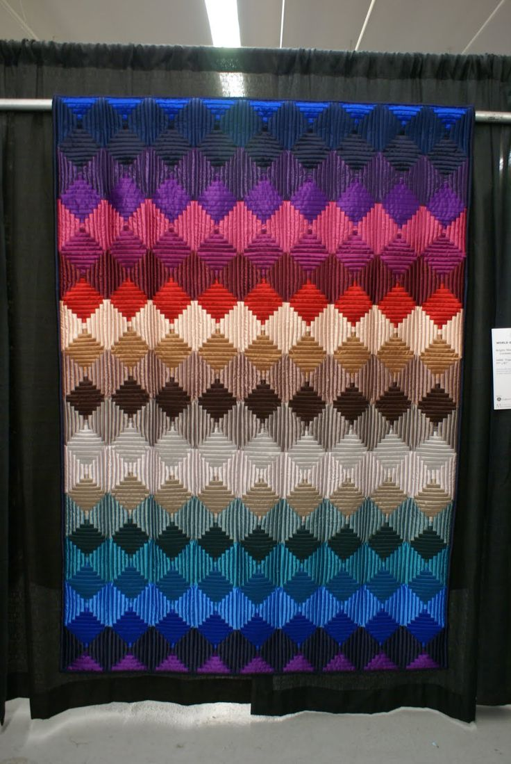 Boston Modern Quilt Guild: The Blog: World Quilt Show - New England.  Courthouse steps.