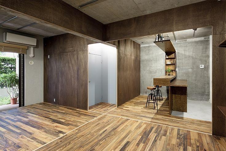 <p>フローリングの向き、床の見切り、垂れ壁で一室空間をゾーニング。</p>  <p></p>