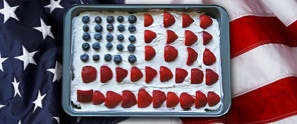 A classic American flag cake decoration.