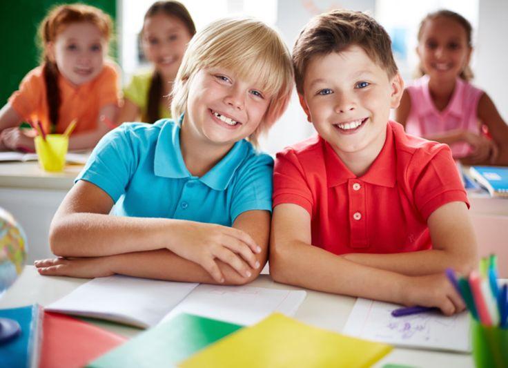 KirjoittanutKimmo Kumpulainen,SkillzzUpin perustaja ja opettaja  Tutkimusten mukaan arviointi ohjaa opiskelua ja oppimista enemmän kuin mikään muu tekijä oppimistilanteessa.  Opiskelijat suuntaavat herkästi omaa oppimisprosessiaan arvioinnin mukaisesti, toisin sanoen he opiskelevat sen mukaan, miten heidän suorituksiaan kurssilla arvioidaan . Näistä syistä opettajalla on suuri valta ja vastuu, kun hän valitsee oppimiseen parhaiten soveltuvia arviointimenetelmiä.  SUMMATIIVINEN