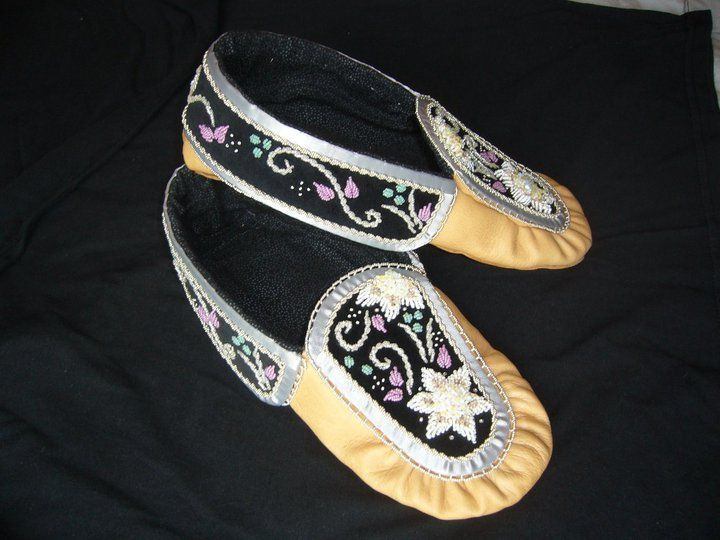Iroquois Style Moccasins with raised beadwork - Womens