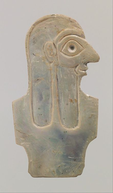 Shell intarsio raffigurante torso maschile, Early dinastico IIIa, ca.  2600-2500 aC, la Mesopotamia, sumera