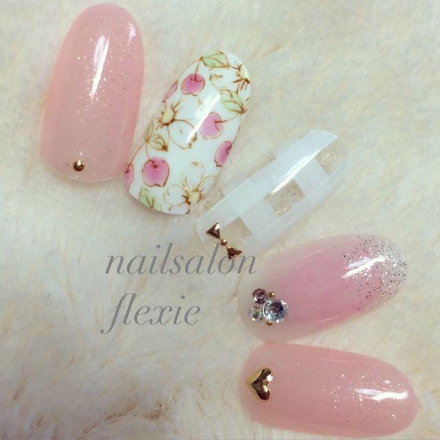 ネイル 画像 nailsalon FLEXIE  1536745 ピンク 白 チーク チェック フルーツ オールシーズン 春 夏 デート チップ