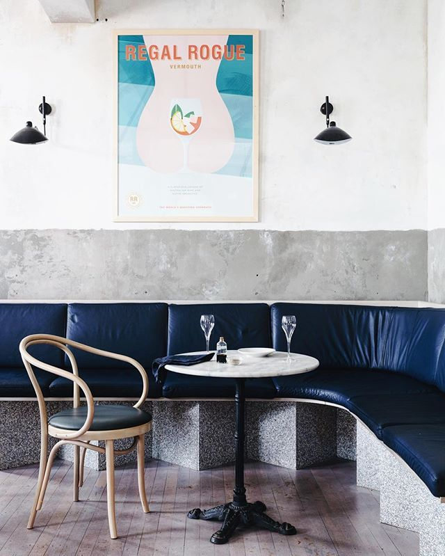 Freestanding Banquette Seating: 10+ Best Ideas About Restaurant Banquette On Pinterest