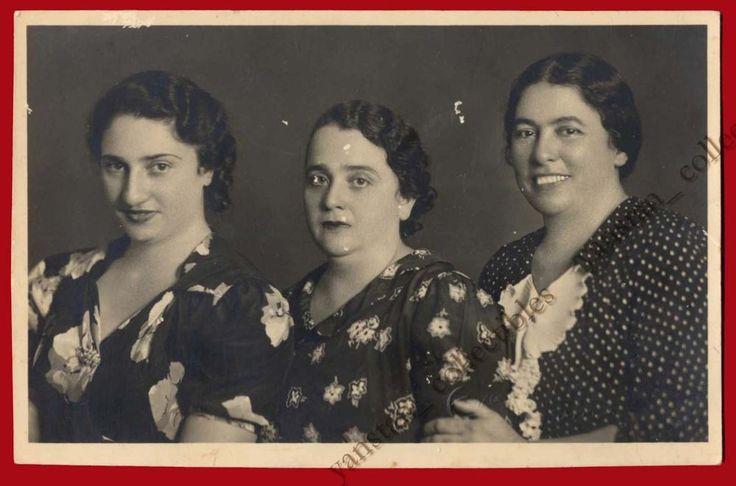 #22679 Greece 1930s. Women. Photo PC size.
