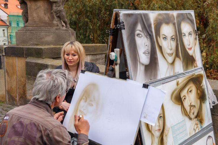 5 Ways To Make Portrait Drawing Easier | www.drawing-made-easy.com | #easyways #drawing