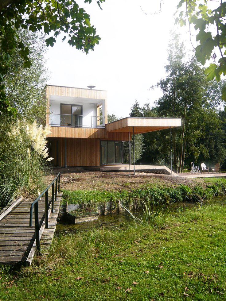 Au bord de l'étang, la terrasse