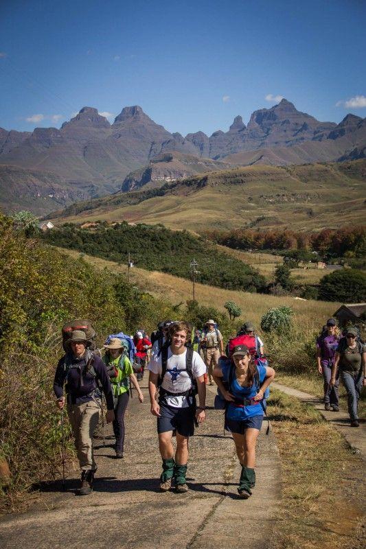'n Staptog in die Drakensberge (Fotograaf: PG de Jonge)