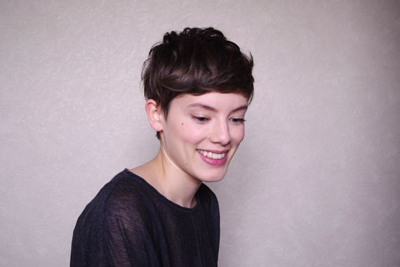 French lady with short hair. <3