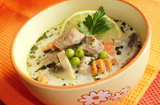 Tárkonyos pulykaraguleves sok zöldséggel | femina.hu