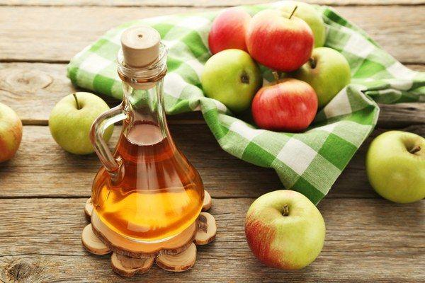 Diese 10 Krankheiten kannst du mit Apfelessig vor dem Schlafgehen wirksam bekämpfen