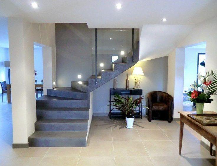 Habillage escalier béton sur mesure, marches, rampes d'escaliers.