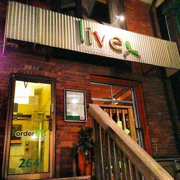 Live Organic Food Bar. Photo by VegansTo  http://VegansTO.blogspot.ca