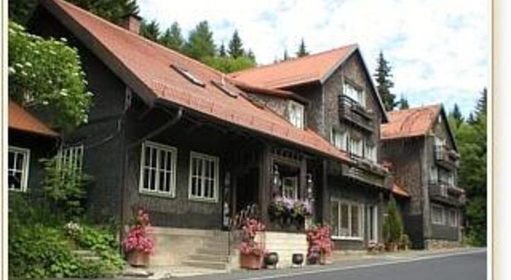 Rhönhäuschen Bischofsheim This charming, country hotel offers unique accommodation in the heart of the Bavaria-Rhön Nature Park, close to the Hessian border, and about a one-hour drive from Wurzburg and Fulda.