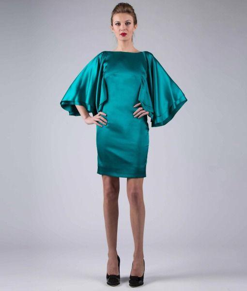 #ItalianStyle #madeinitaly #wearitalian Batwing sleeves dress, pattern – satin.
