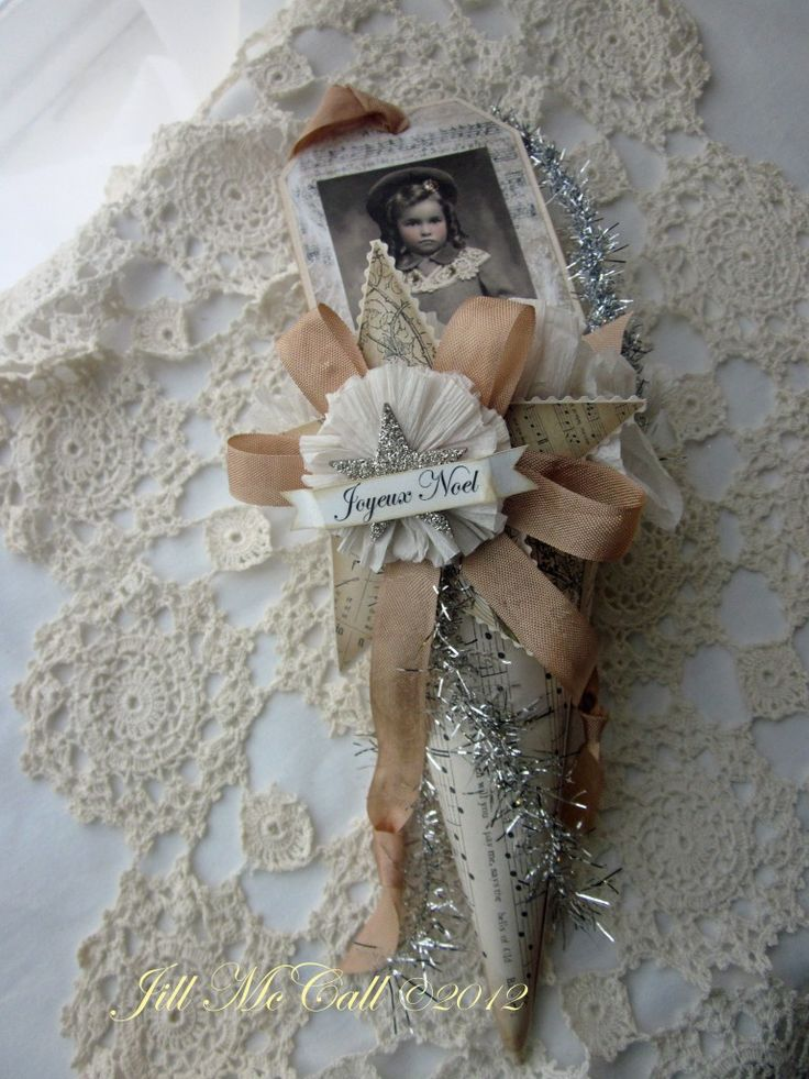 paperwhimsy.com » Blog Archive » Victorian Christmas Paper Cones & Tags Posted by Posted by
