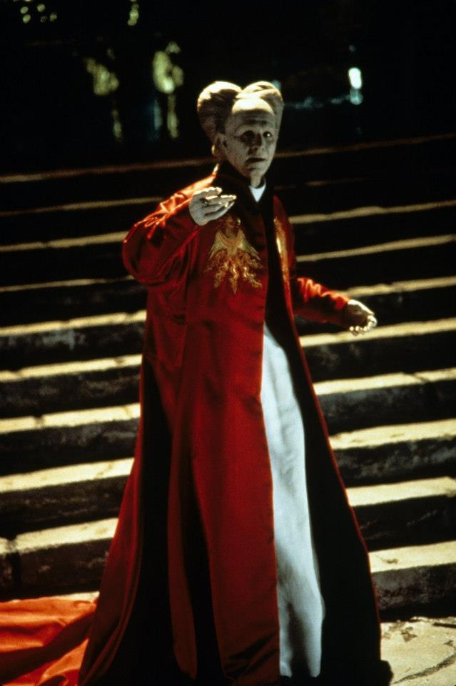 """bram stoker's dracula capitalism and reverse Arata goes on to argue that one of the most important narratives of decline was that of reverse colonisation, and that dracula in particular is emblematic of this kind of narrative:  capitalism, and aesthetics in stoker's """"dracula""""  stoker, bram dracula ed maurice hindle london: penguin books, 2003 print."""