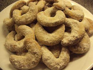 Le jardin d´Yvonne: Veganské cukroví 2 - vanilkové rohlíčky / Vegan christmas sweets 2 - Vanilla crescent rolls
