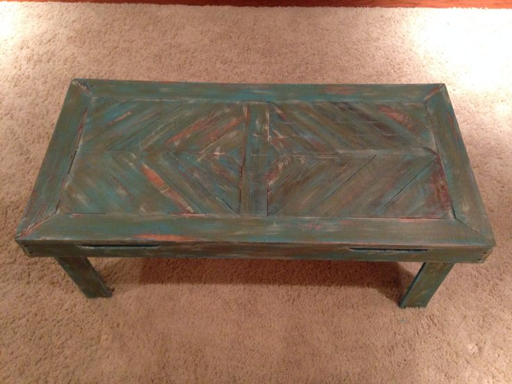 Distressed pallet wood coffee table