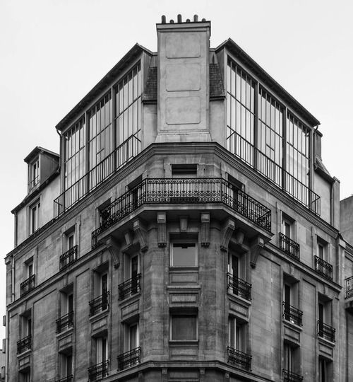 Architectural extension. Paris, 2013-11-16. by Philippe Lenepveu.
