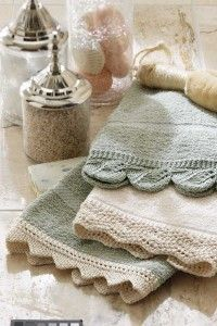 cute! lace-knit hand towels! Pattern