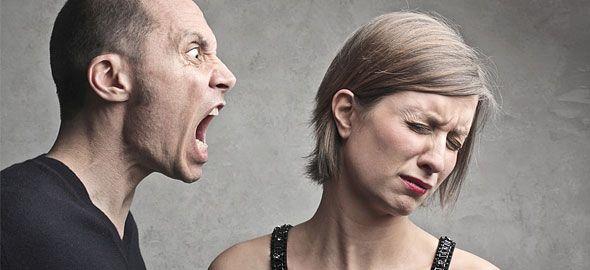 Αυτός που σέβεται τον εαυτό του είναι ασφαλής από τους άλλους φοράει μια πανοπλία που κανείς δενμπορεί να διαπεράσει. Henry Wadsworth Longerfellow Μπορείτε να θυμηθείτε εκείνες τις στιγμές στη ζωή σας στις οποίες έχετε αισθανθεί ότι κάποιος σας μειώνει; Το συναίσθημα αυτό μπορεί να είναι αποτέλεσμα μιας ματιάς, μιας έκφρασης ή ενός μορφασμού. Μπορεί ακόμα …